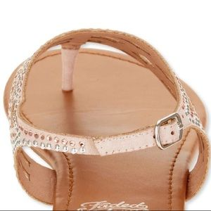 d0a5ddb396ca DSW Shoes - Blush Pink Embellished Sparkle Dressy Sandals ✨